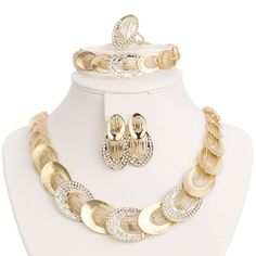 Jewelry Sets For Women Gold Plated Wedding Party Bridal Accessories Necklace Set Fashion CZ Crystal Rhinestone Pendant Costume Bridal Jewelry Sets, Bridal Accessories, Wedding Jewelry, Gold Jewelry, Jewelry Accessories, Fashion Accessories, Jewelry Design, China Jewelry, Jewellery Box