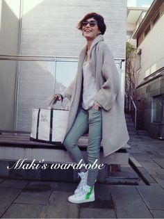 wardrobe と余韻 の画像|田丸麻紀オフィシャルブログ Powered by Ameba Denim Fashion, Womens Fashion, Fashion Trends, Model Street Style, Wide Pants, Classy Casual, Japanese Models, Dressed To Kill, Mode Style