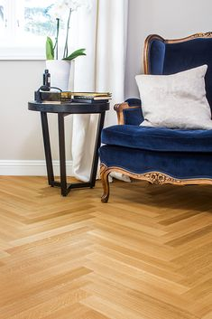 Find your floor with Boen. We offer parquet and hardwood floor in 1 strip plank and 3 strip. Classic, modern flooring of high quality produced in Europe. Flooring Companies, Flooring Options, Modern Flooring, Classic Elegance, Modern Rustic, Hardwood Floors, Your Style, Living Room, Elegant
