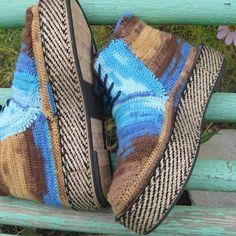 Designer shoes handmade .Vyazanie. Hook. You can order through viber or website. Reference herein @ natalia.ryasovaДизайнерские ботинки ручной работы .Вязание . Крючок. Заказать можно через viber или на сайте. Ссылка в описании @natalia.ryasova  #handmade #kerikfelt #ukraine #обувь #ручнаяработа #дизайнерскаяобувь #авторрскаяработа #вязанаяобувь #вязание