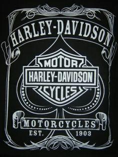 Vintage Harley Davidson T-shirt. My obsession. Harley Davidson Logo, Harley Davidson Tattoos, Harley Davidson Pictures, Harley Davidson Wallpaper, Motor Harley Davidson Cycles, Harley Davidson Motorcycles, Motos Harley, Harley Bikes, Motos Bobber