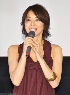 石田ゆり子さんの髪型15選☆程よく流行を取り入れつつ上品な大人女性を演出♪ | folk