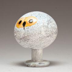 ** Oiva Toikka, Iittala, Nuutajärvi, Finland. Glass Bird. Bird Design, Glass Design, Ceramic Owl, Glass Birds, Painted Paper, Diy Arts And Crafts, Artist Art, Art And Architecture, Scandinavian Design