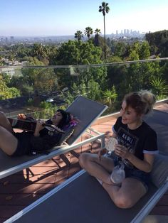 hey violet are most likely at the 5sos house in la (where hv live)
