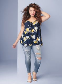 Plus Size & Curve Clothing - Womens Outfits Plus Size Looks, Curvy Plus Size, Plus Size Jeans, Black Women Fashion, Curvy Fashion, Plus Size Fashion, Women's Fashion, Fashion 2018, Fashion Trends