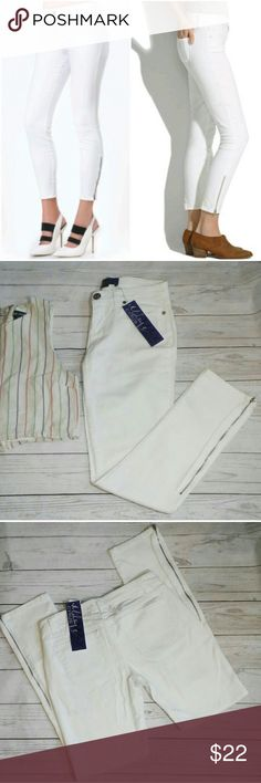 ❗40% off❗Skinny Zipper ankle White Denim Skinny Zipper ankle White Denim New with all tags attached  -Miley Cyrus brand labeled size 7 -five pocket style -functional zippers -skinny Style  Measurements will be up soon Offer/Ask questions freely - Dont be shy! bundles likes for private offer from me to you No pressure to purchase ever Miley Cyrus & Max Azria Jeans Skinny