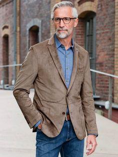 Mature Mens Fashion, Teen Fashion, Silver Foxes Men, Mens Gear, Silver Age, Shirt Shop, Streetwear Fashion, Coat, Street Wear