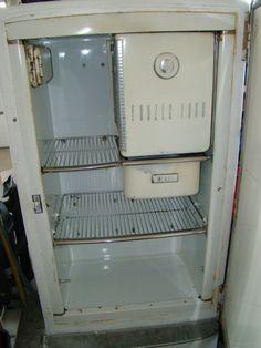 Vintage General Electric 1950s Retro Refrigerator