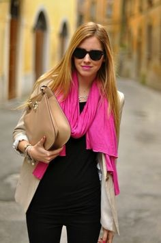 Summer outfit ideas with scarf - Add a splash of color with pink summer scarf over all black.
