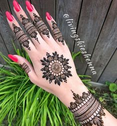 Stunning mandala henna by mehendi хна, мехенди, тату. Henna Hand Designs, Dulhan Mehndi Designs, Mehandi Designs, Round Mehndi Design, Mehendi, Henna Flower Designs, Modern Henna Designs, Mehndi Designs For Beginners, Mehndi Designs For Girls