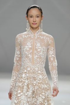 Naeem Khan Spring 2015 Bridal Collection http://www.maharaniweddings.com/gallery/photo/72424