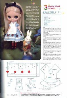 Blythe doll Alice in Wonderland dress. Adjust for Lottie Sewing Doll Clothes, Sewing Dolls, Alice In Wonderland Dress, Doll Dress Patterns, Doll Tutorial, Sewing Accessories, Felt Dolls, Custom Dolls, Diy Doll
