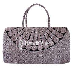 Graceful Grey bohemian beach travel  bags Beach Travel, Beach Trip, Bohemian Beach, Online Bags, Handicraft, Travel Bags, Straw Bag, Shoulder Bag, Handbags