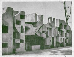 Brutalist concrete screen wall designed by Antony Hollaway in 1966 - Kensington… Concrete Architecture, Landscape Architecture, Architectural Sculpture, Abstract Sculpture, Abstract Art, Land Art, Brutalist, Cool Walls, Public Art