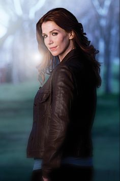 Poppy Montgomery as Carrie Wells on Unforgettable