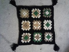 My mom's dog Maxine was soooo jealous of her afghan I had to make one for her. This was the first time I crocheted with black and I think it is one of my favorite colors to trim with!