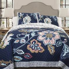This quilt has this brilliant watercolor effect printing, designed to inspire both artistry and a sense of tranquility. The chic and cool color tones used in the background as well as in the intricately designed floral patterns help create Feng Shui in your home.