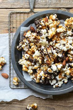 ... WHAT'S POPPIN'? on Pinterest | Popcorn, Caramel Corn and Popcorn ...