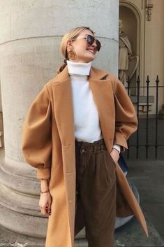 Trendy Winter Outfits to try now! 5+ insanely affordable fashion items not to miss for 2021. These are the most fashionable pieces! Fashion 2020, Look Fashion, Fashion Clothes, Fashion Trends, Fall Clothes, Fashion Ideas, City Fashion, Fashion Tips, Fall Street Fashion