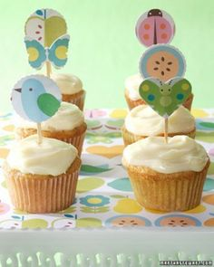 Printable Easter Cupcake Toppers, Easter Food Ideas #2014 #easter #cupcakes www.loveitsomuch.com