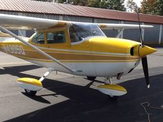 1971 Cessna 172 Skyhawk. Yes please.