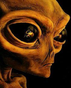Estraño Estranjero (DjeepersCreepers) by DjeepersCreepers on SoundCloud Aliens On The Moon, Aliens And Ufos, Ancient Aliens, Alien Tattoo, Alien Photos, Alien Drawings, Grey Alien, Alien Spaceship, Alien Concept Art