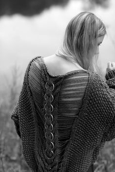 I don't know who designed this, but they need to take a bow. Knitwear Fashion, Knit Fashion, High Fashion, Knitting Designs, Knitting Projects, Knitting Wool, Knitting Machine, Knit Or Crochet, Falmouth