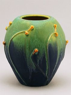 http://www.oakparkhome-hardware.com/Home_Accessories/Pottery/Door_Pottery_-_New_Vases/19079