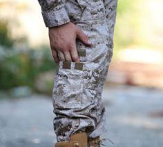 Uniform TDU má na nohaviciach osem vreciek pre ktoré určite nájdete praktické využitie. http://www.armyoriginal.sk/3114/125542/maskace-tdu-revenger-digital-desert-invader-gear.html