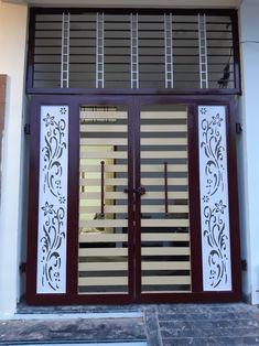 Iron Main Gate Design, Gate Wall Design, Grill Gate Design, House Main Gates Design, Front Door Design Wood, Steel Gate Design, Front Gate Design, Pooja Room Door Design, House Front Design