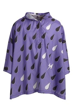 This fabulous purple poncho splashed in huge droplets is easy to fold, and compact enough to stash in your bag, it's perfect for rainy days and outdoor music festivals.