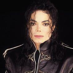 Welcome To MJJCommunity - Michael Jackson Community - Official Fan Club Forum. An MTV Award winning community for the fans of Michael Jackson Michael Jackson Dangerous, Michael Jackson 1991, Invincible Michael Jackson, Michael Jackson Wallpaper, The Jackson Five, Jackson Family, Mike Jackson, Lisa Marie Presley, Paris Jackson