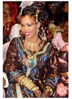 Lookpicker ~Latest African Fashion, African Prints, African fashion styles, African clothing, Nigerian style, Ghanaian fashion, African women dresses, African Bags, African shoes, Nigerian fashion, Ankara, Kitenge, Aso okè, Kenté, brocade. ~DKK
