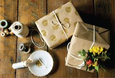 Holiday Gift Wrapping! Full article here: http://simplygluten-free.com/glutenfreemagazine/diy/holiday-gift-wrapping/ #DIY