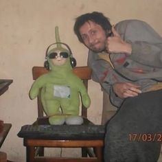 i frickin love teletubbies man Reaction Pictures, Funny Pictures, Image Couple, Draw The Squad, Cursed Images, Mood Pics, Belle Photo, Dumb And Dumber, Just In Case
