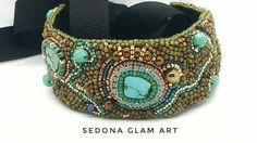 Bead embroidery bracelet por Sedonaglamart en Etsy