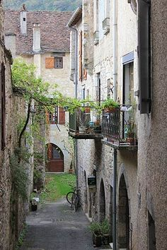 Cajarc France travel and tourism, attractions and sightseeing and Cajarc reviews