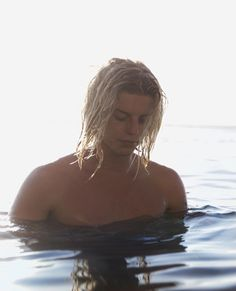 Surfer Guys, Bare Beauty, Surf Style, Pretty Boys, Beautiful Men, How To Look Better, Hot Guys, Hairstyle, Photoshoot