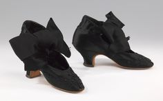 Evening shoes French 1875-1885 silk