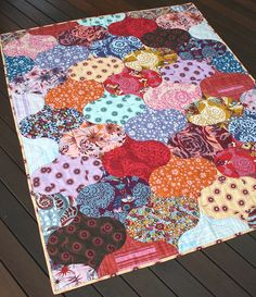 curlicue crush quilt pattern from chasing cottons (via noodlehead). #quilt