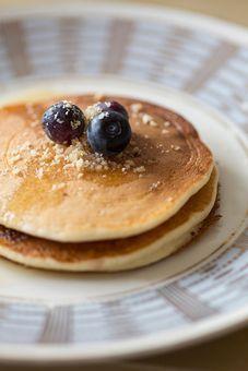 Fluffige Pancakes mit Erdnüssen