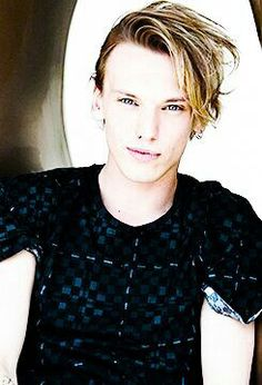Fc: jamie campbell bower))  Hey, I'm Jaime or James or whatever.. I'm a counselor I'm almost 19 and I play soccer.  Eve is my sister but she pretty much ignores my existence in public.