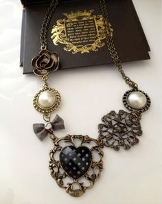Sweet Vintage Style Necklace