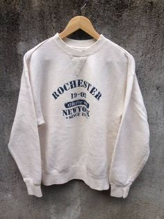 Champion Sweatshirt Champion Size l - Sweatshirts & Hoodies for Sale - Grailed