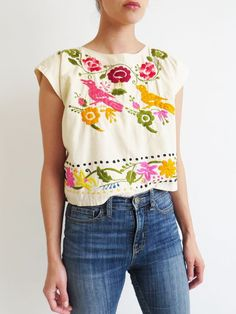 Embroidered crop top // vintage colorful mexican folk top so Mexican Blouse, Mexican Outfit, Mexican Dresses, Mexican Clothing, Mexican Top, Mexican Embroidery, Embroidery Dress, Cute Fashion, Boho Fashion