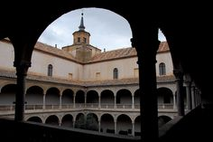 """SIGHTS. Museo De Santa Cruz. Today a museum of art and sculpture, this was originally a 16th-century Spanish Renaissance hospice founded by Cardinal Mendoza -- """"the third king of Spain"""" -- who helped Ferdinand and Isabella gain the throne. The facade is almost more spectacular t"""
