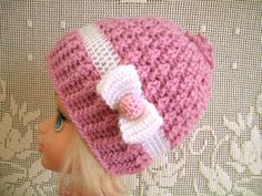 HANDMADE CROCHET KNIT HATS FOR BABIES-PINK//WHITE STOCKING-SIZE SMALL 0-6 MONTHS