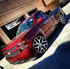 Custom Chevy Trucks, Chevy Pickup Trucks, Classic Chevy Trucks, Chevy Pickups, Bagged Trucks, Lowered Trucks, Gm Trucks, Cool Trucks, Chevrolet Silverado
