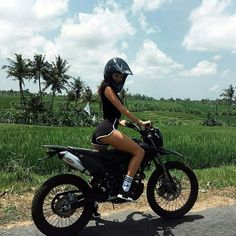 Like thousand times, 150 comments – Bee Ella 🥀 ( on In … Wie Tausend Mal, 150 Kommentare – Bee Ella 🥀 ( [. Dirt Bike Girl, Biker Chick, Biker Girl, Fille Et Dirt Bike, Image Moto, Motocross Girls, Girl Dirtbike, Motorbike Girl, Motorcycle Girls
