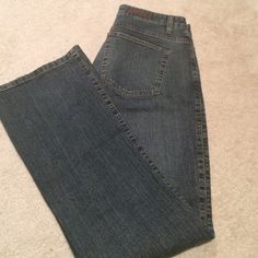 Lee jeans boot cut size 8 Lee jeans size 8.  Gently worn Lee Jeans Boot Cut
